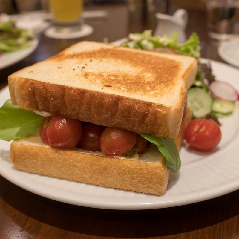 HARBSでサンドイッチ