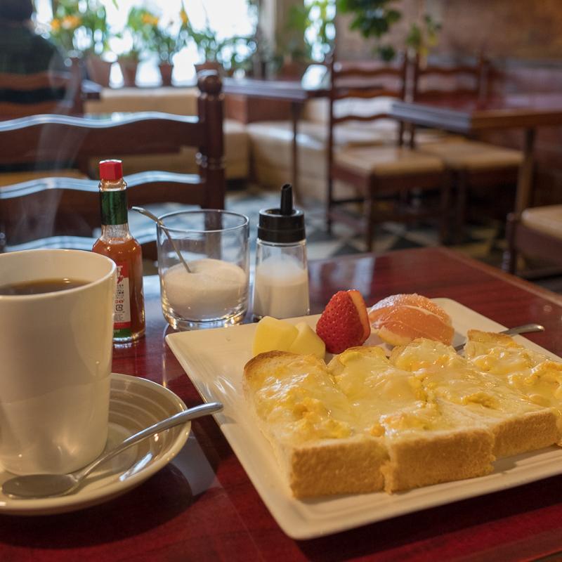 北上駅近くのカフェ ポレール