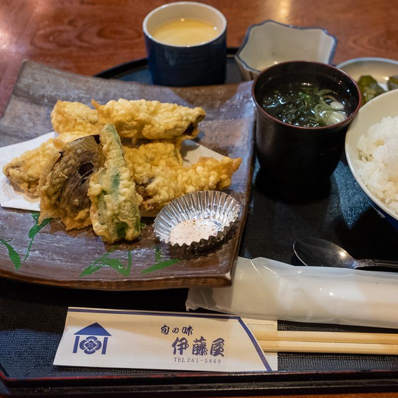 愛宕橋 伊藤屋で夜の定食