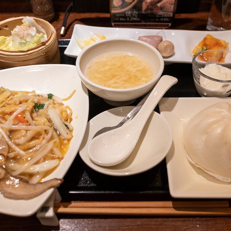 東京駅 広東炒麺でランチセット